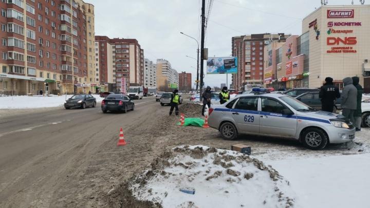 «Субару» насмерть сбил пешехода на Выборной
