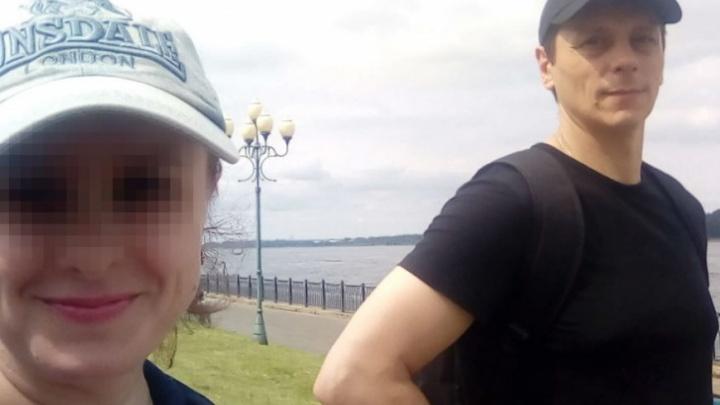 «Смотрит в одну точку и мычит»: стало известно, где мама убитых в Рыбинске девочек