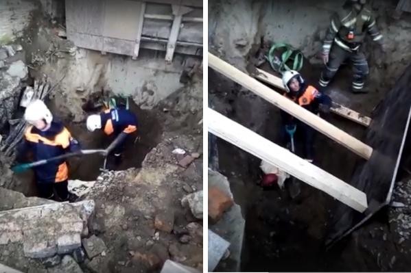 Мужчина выжил, потому что в грунте образовались воздушные карманы<br><br>