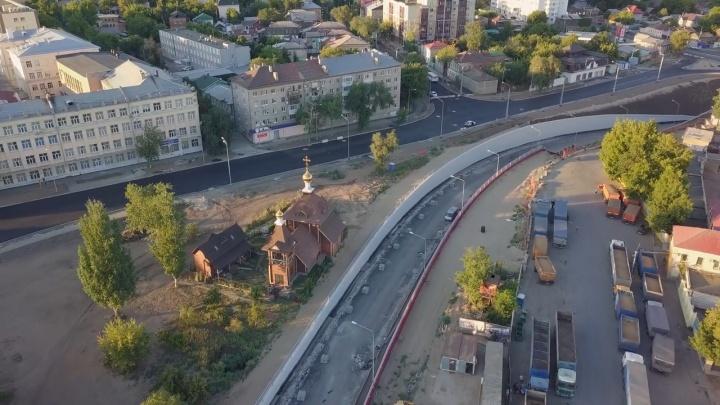 Церковь в тисках: появилось видео двухуровневой развязки у Фрунзенского моста