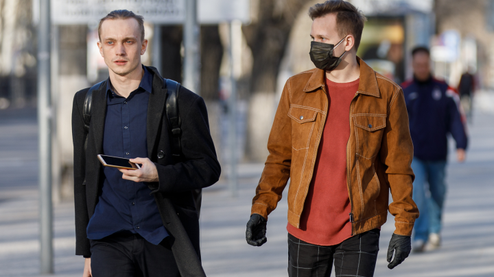 «Маски на пузе, все гуляют»: ярославцы высказались об эффективности самоизоляции