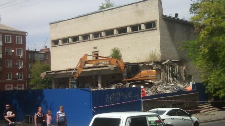 Суд попросили исключить администрацию Ростова из плана ремонта киноцентра «Юбилейный»
