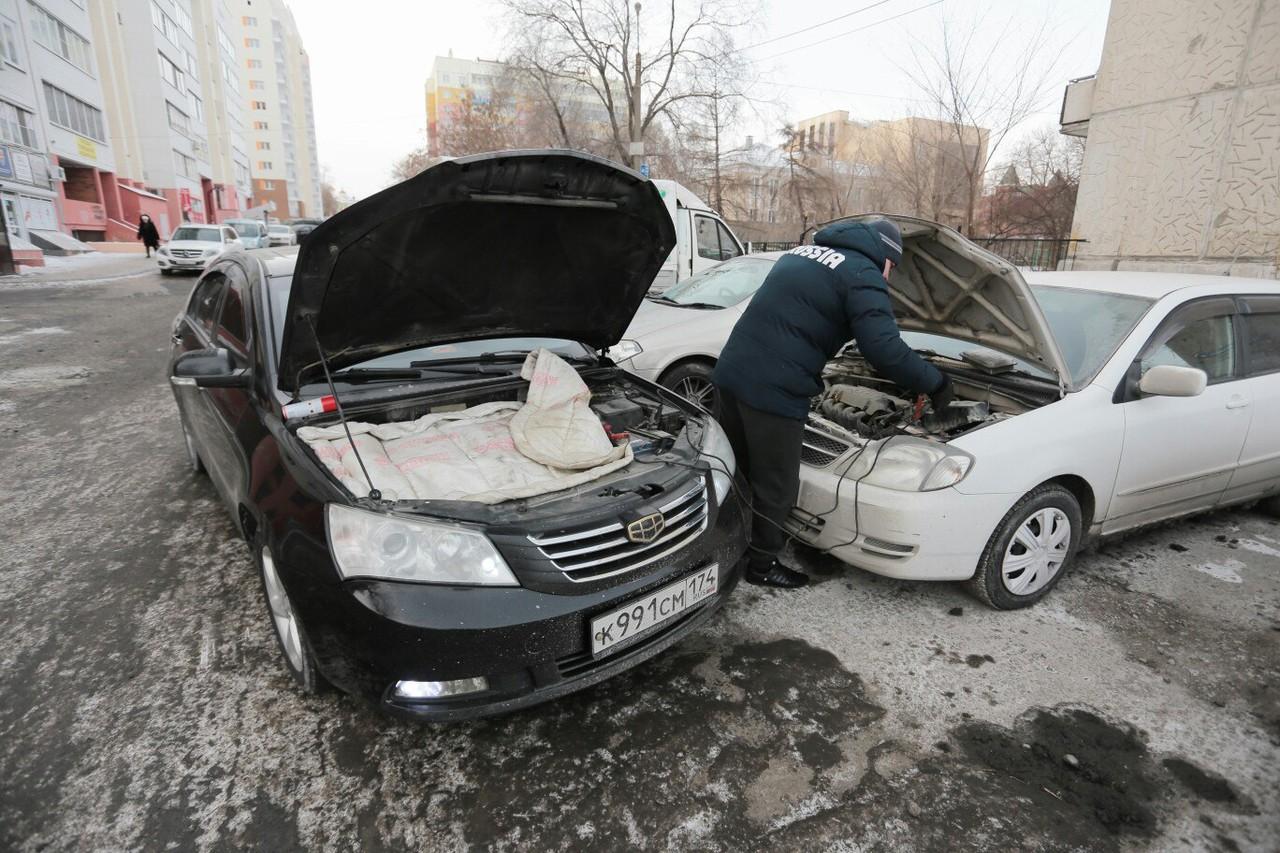 """Кстати, убить мотор можно и <a href=""""https://74.ru/text/auto/51560921/"""" target=""""_blank"""" class=""""_"""">во время прикуривания чужой машины</a>"""