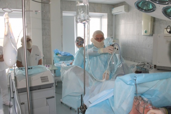 В челябинском онкоцентре на карантин закрыли сразу пять отделений: пациентов выписали, врачей отстранили от работы