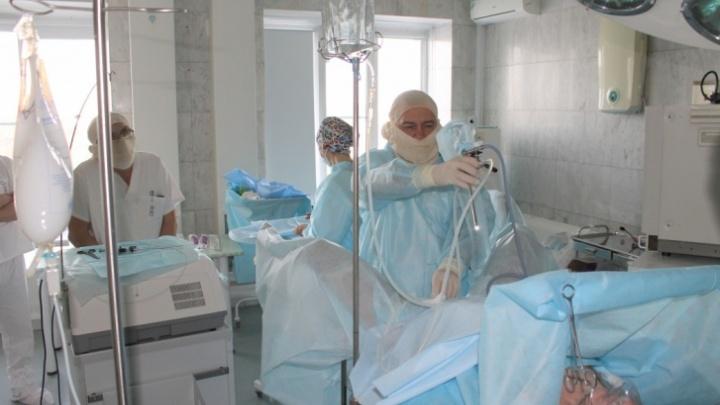 В Челябинске COVID-19 обнаружили у 83 пациентов и сотрудников онкологического центра