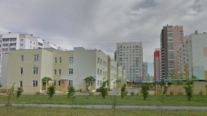 Родители заявили о массовом отравлении в детском саду Челябинска. Руководство это отрицает