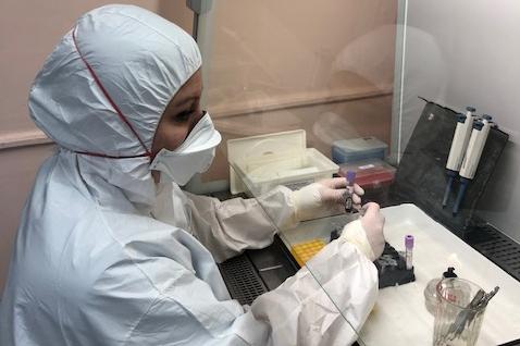 В челябинском Роспотребнадзоре показали, как работают тест-системы, выявляющие коронавирус