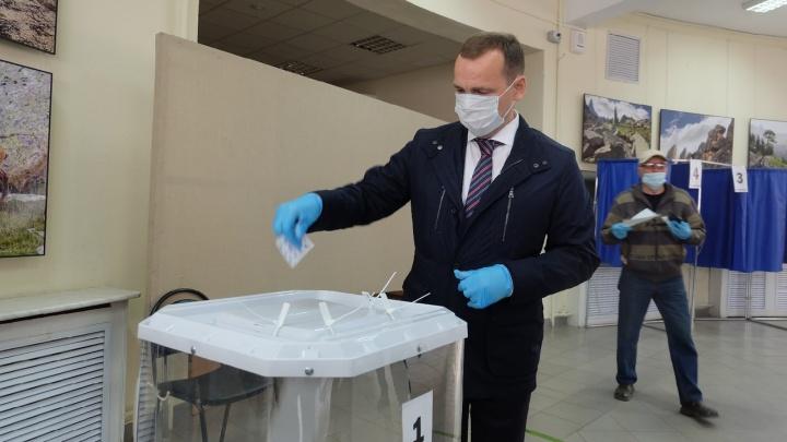 Вадим Шумков принял участие в голосовании по изменению Конституции