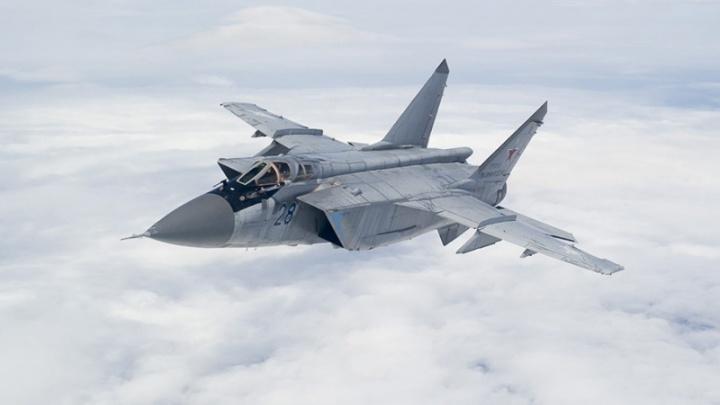 Уничтожили авиацию условного противника: в Прикамье МиГ-31 и Су-34 провели учебный бой