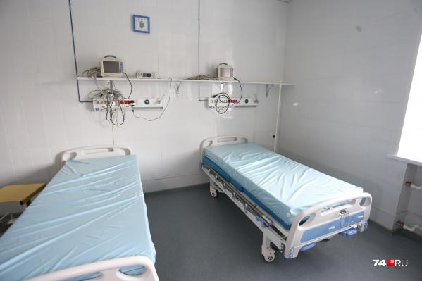Кислородом оснащают все госпитальные базы, поскольку его содержание в крови у пациентов с коронавирусом может падать ниже нормы