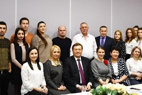Глава администрации Аксайского района пообщался с молодёжью