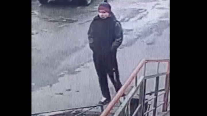 «Приставал к детям и молодым девушкам»: в Красноярске ищут извращенца