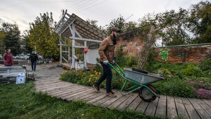 «В проект вложили душу»: Илья Варламов — о горожанах, восстановивших заброшенный сад в центре Екатеринбурга
