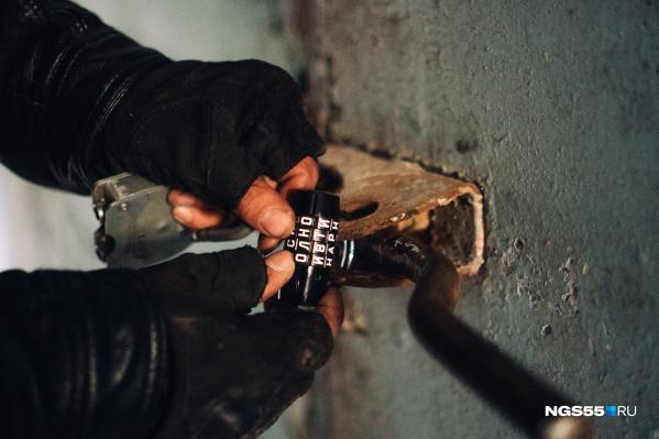 Довести операцию до конца не дали ФСБ с полицейскими