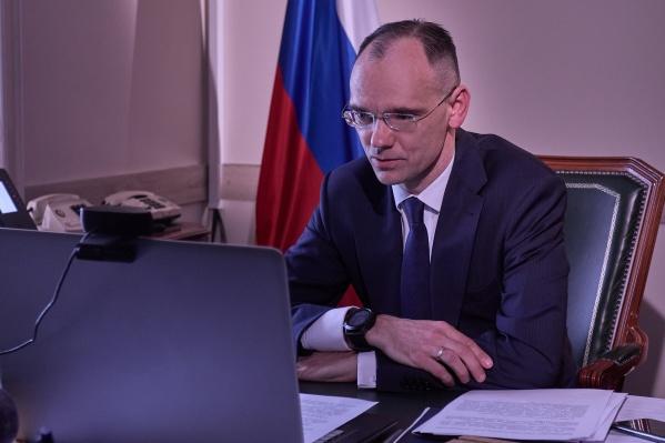 Дмитрий Глушко сегодня работает в Кургане