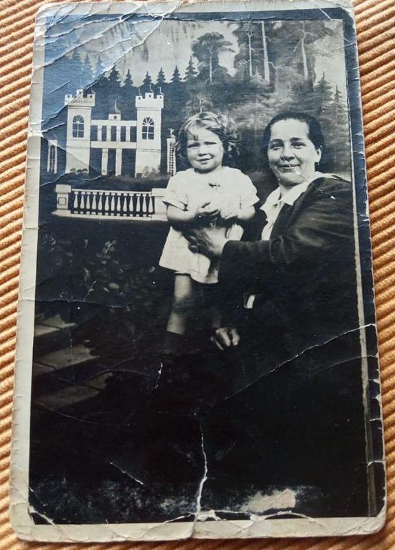 Валентина Карпова с мамой