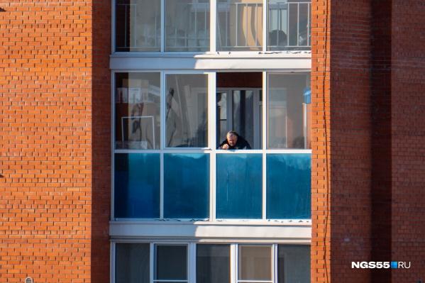 Жильцам многоэтажки придётся провести две недели на карантине