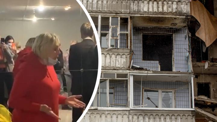 «Я приду в свою квартиру, и пусть меня давит»: жильцы взорвавшегося дома разругались с властями