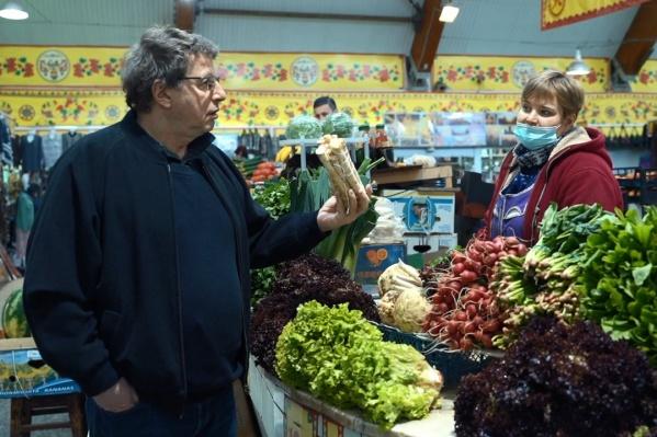 В поисках продуктов для борща ведущий зашел на главный рынок Архангельска