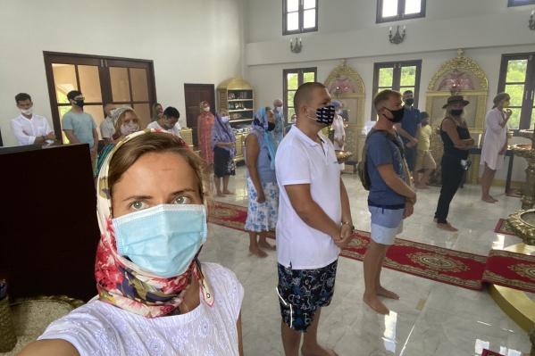 Если в Таиланде выйти на улицу без маски — грозит штраф, равный 1000 рублям. За распитие спиртного можно угодить в тюрьму на год