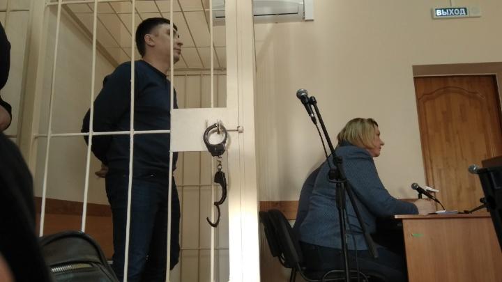 В Самаре экс-начальника отдела полиции оставили в СИЗОждать приговора за крышевание бизнеса