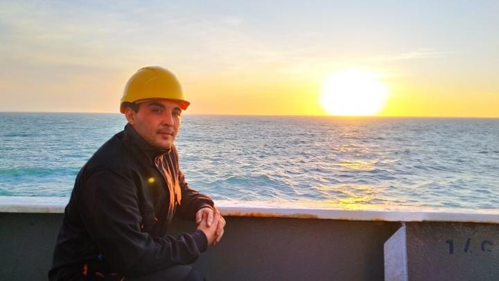 Ростовчанин выжил при кораблекрушении в Баренцевом море. Большинство рыбаков еще не найдены