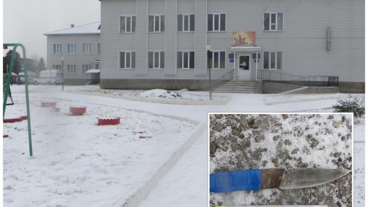 Житель Башкирии зарезал бывшую жену в детском саду. Его даже никто не пытался остановить
