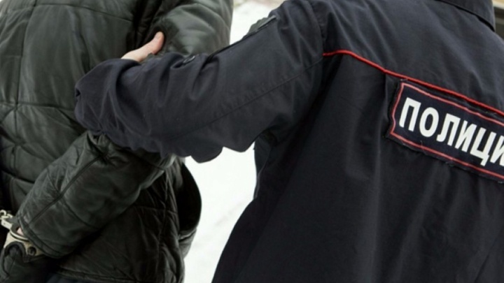 Курганец оскорбил полицейского и попытался дать ему взятку