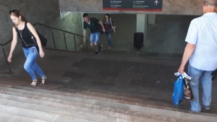 «Всюду попрошайки и бомжи»: Глеб Никитин пообещал навести порядок в тоннеле на Московском вокзале