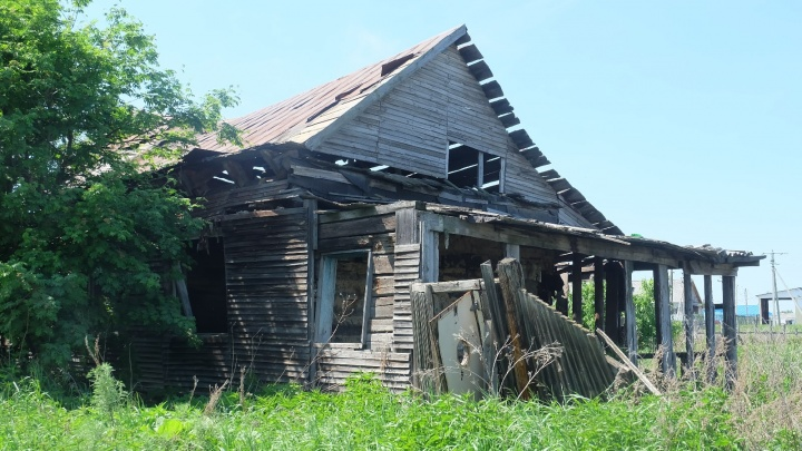 В Зауралье треть семей, нуждающихся в жилье, ждут его по десять и более лет
