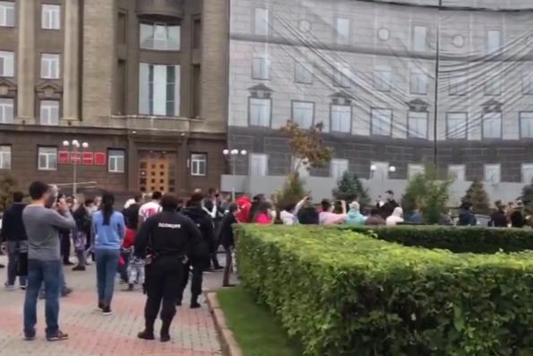 Красноярцы вышли на митинг в поддержку хабаровского экс-губернатора Фургала