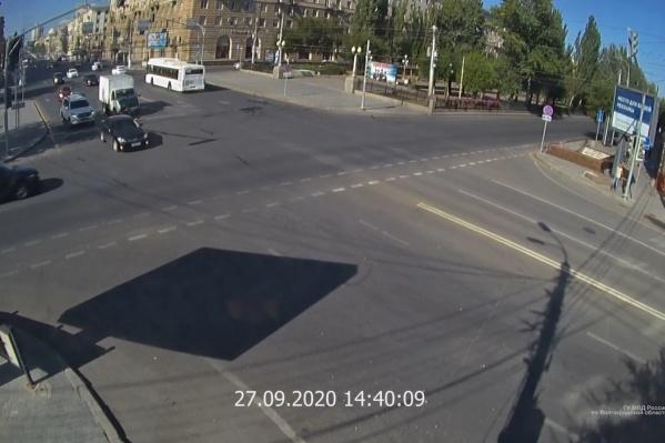 Авария произошла на одном из самых опасных перекрестков Волгограда