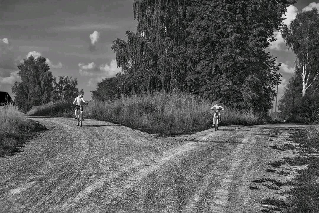 девушки архивные фото деревни дизьмино как