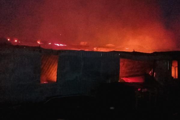 Пожар тушили почти восемь часов