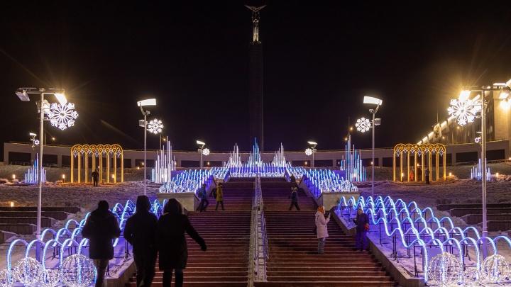 Как украсили Самару к Новому году: публикуем подборку праздничных «инстаграмных» мест города