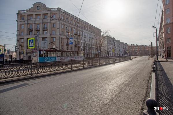 Подойти к трамваю можно будет по земле