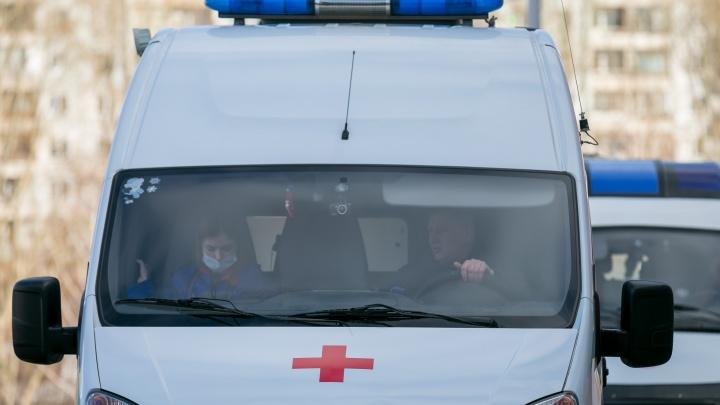 «Нет средств защиты и надбавок»: врачи тольяттинской станции скорой помощи написали письмо Путину