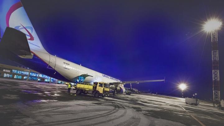 Самолёт Челябинск — Москва экстренно посадили в Казани