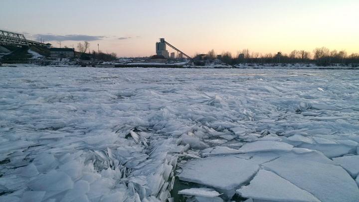 Видео дня. Колючий волжский лед