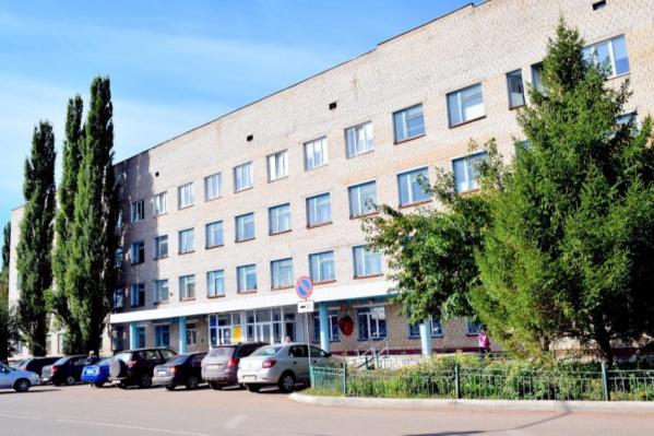 В этом корпусе больницы по улице Стахановской теперь не протолкнуться от пациентов