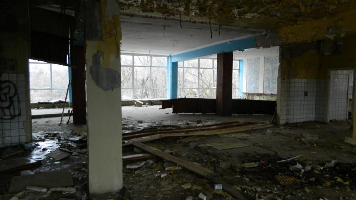 «Советское наследие»: сталкеры сняли руины столовой Волгоградской ГРЭС