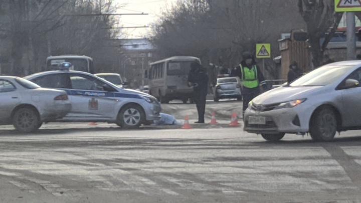 Спешащий на красный свет маршрутчик насмерть сбил школьницу
