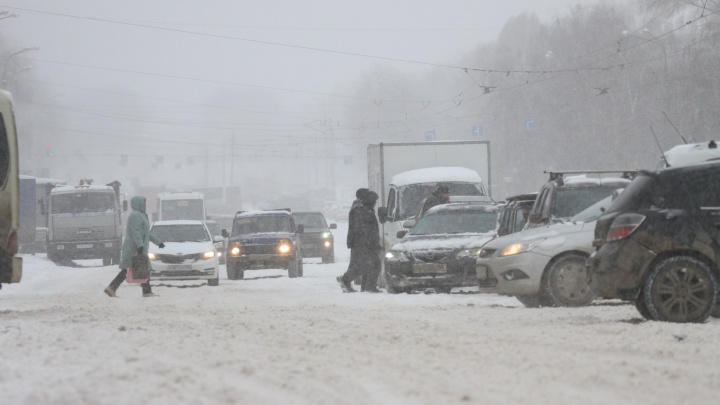 Снегопад сменился дождем: репортаж о суровой мартовской метели в Самаре