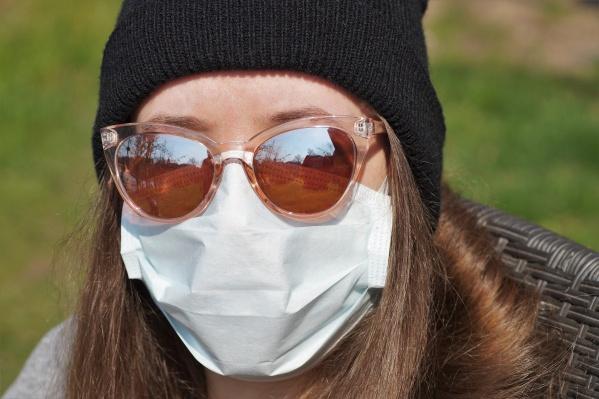 Особая страховка на случай острой эпидемиологической ситуации не нужна: проблему решает обычный полис ОМС или страхование от несчастных случаев