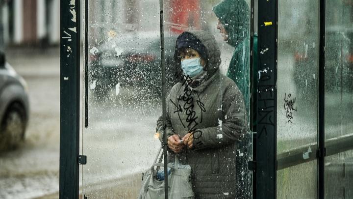 «Это показатель того, что человек заботится об окружающих»: врач скорой Екатеринбурга — о масках