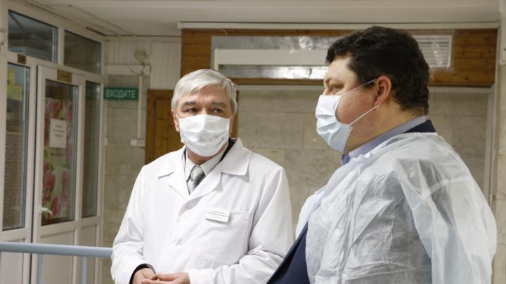 У сотрудника психбольницы обнаружили COVID-19: хроника событий в Архангельской области на 17 апреля