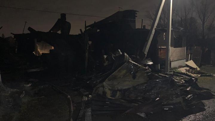 После пожара на Первомайке нашли тела двух мужчин