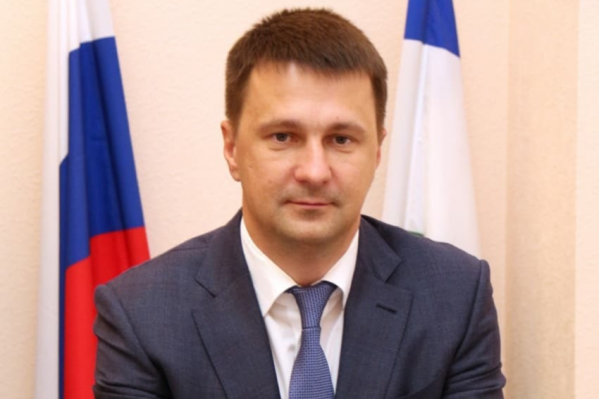 Максим Забелин считает, что нужно работать профессионально, то есть не идти против руководства