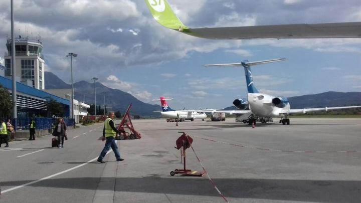 «Сначала будут вывозить тех, у кого есть билеты»: уральская туристка — о ситуации в Черногории