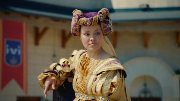 Пермская актриса Зоя Бербер снялась в комедии о карантине в Средневековье